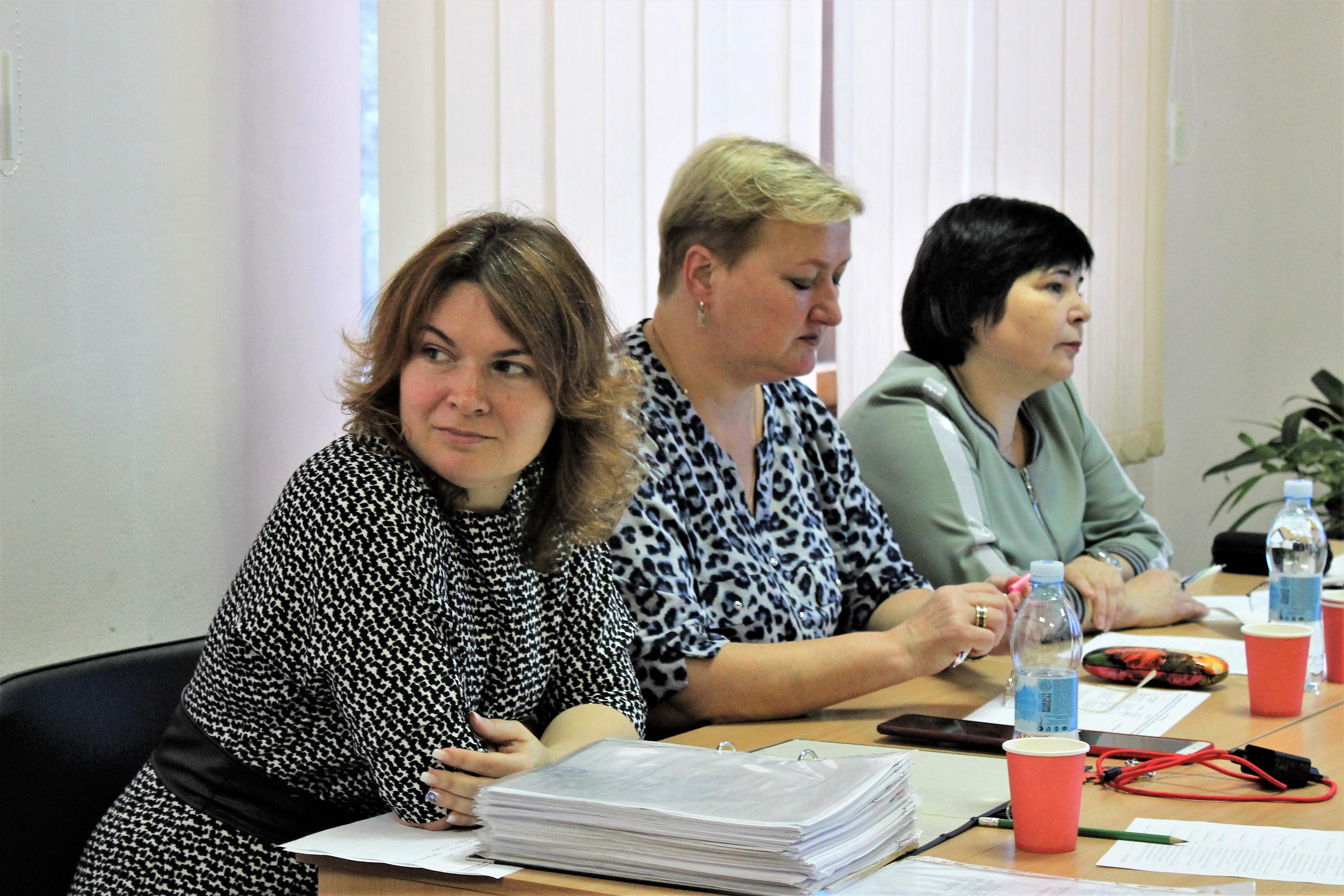 В Рівненській ОДА на конкурсі презентували 22 молодіжні проєкти