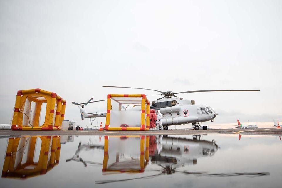 Транспортувати ймовірних інфекційних хворих на коронавірус будуть на спеціальному санітарному гелікоптері