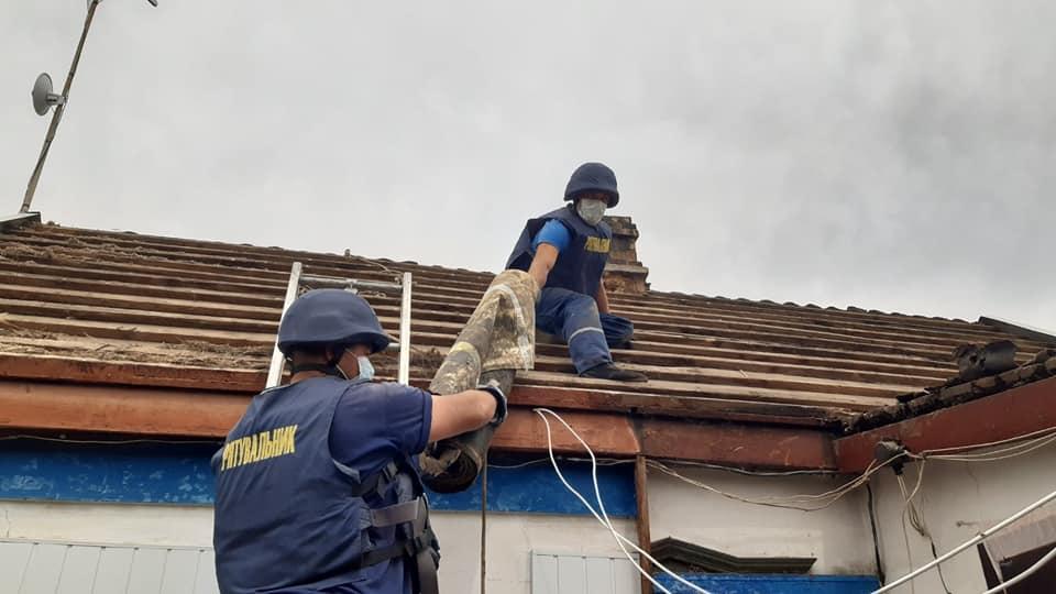 Більше пів сотні будинків допомогли відновити рівненські рятувальники на Донеччині (ФОТО), фото-2