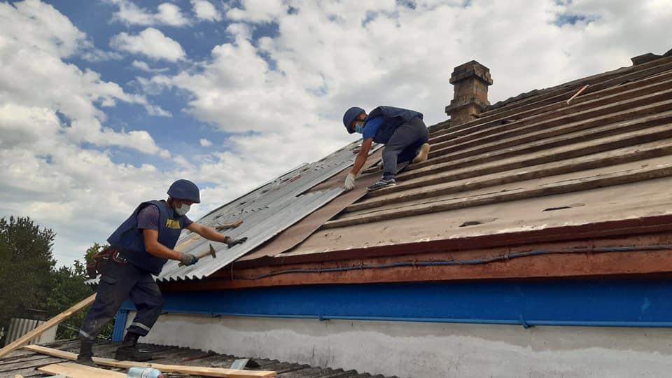Більше пів сотні будинків допомогли відновити рівненські рятувальники на Донеччині (ФОТО), фото-4