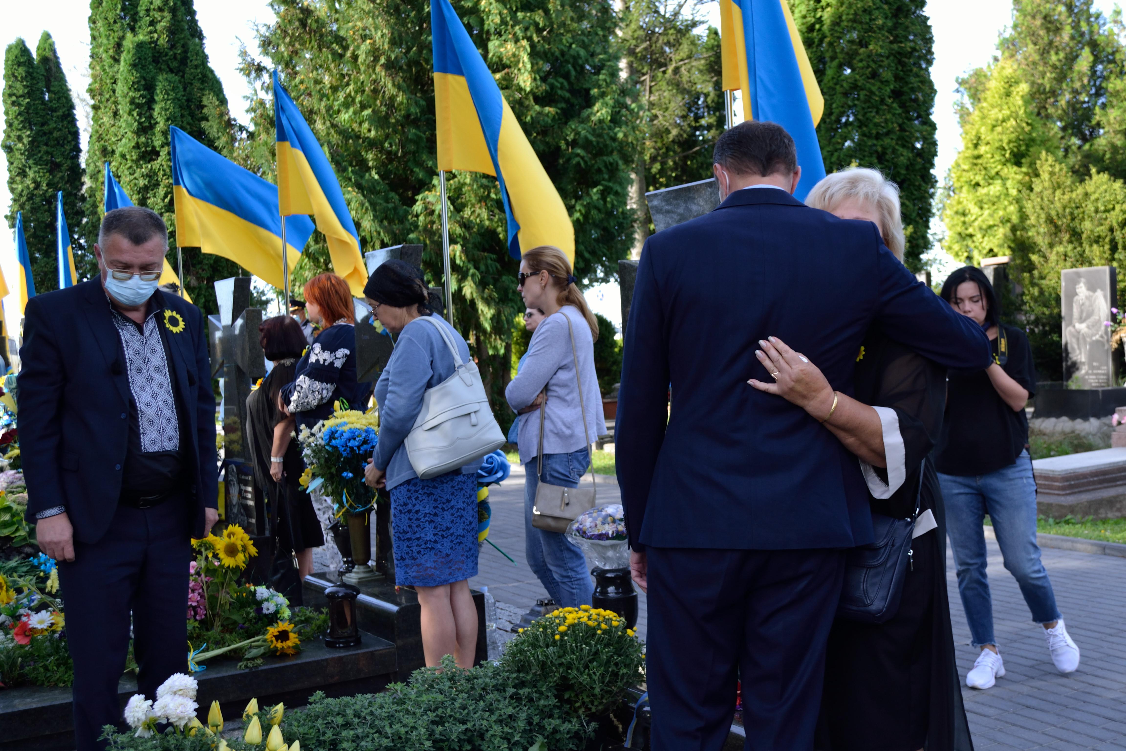 У річницю Іловайської трагедії на Рівненщині вшанували загиблих захисників (ФОТО), фото-7
