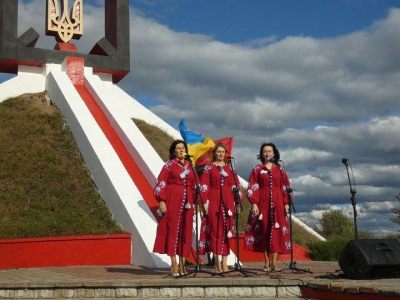 В урочищі Гутвин лунали пісні, присвячені героям УПА (ФОТО), фото-1